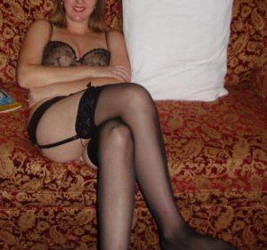 Jolie-MILF-pour-baise-avec-anal-038