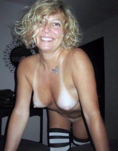 Vieille-maman-sexy-cherche-a-baiser-19