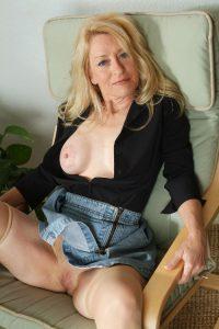 belles-matures-nues-030