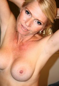 femme-mature-nue-039