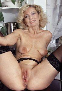 femme-mature-nue-073