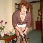 maman-coquine-nue-en-photo-045